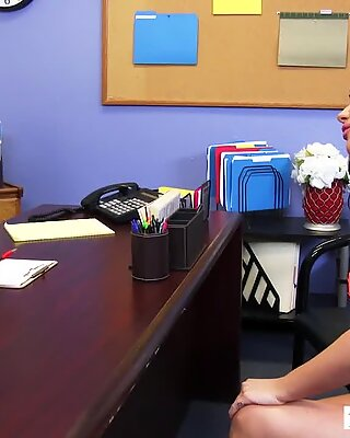 Big tits Rachele Richey fucks her boss on the desk - Naughty America