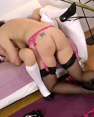 MILF dyke fingering tight schoolgirl