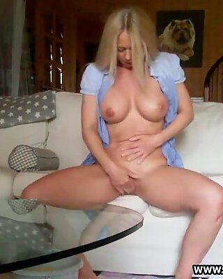 GERMAN MILF Kim fucks herself hard on the couch gets caught