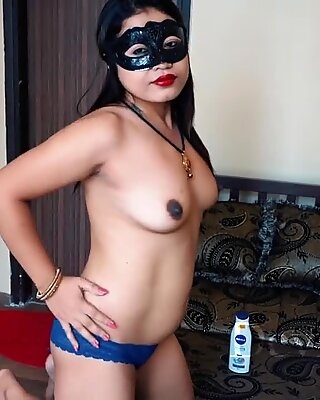 torrid Desi wife Kavitha Cream Massage And Then liked By A Stranger