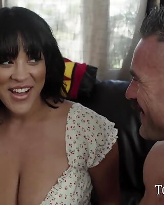 TOUGHLOVEX Third wheel with spicy Latina Sahara Leone