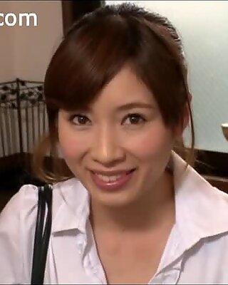 Saki Okuda is hot to trot 2