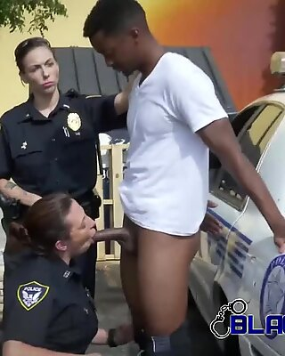 Milf cops make suspect drill their punanis in a lonely alley