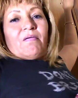Real amateur mature mom loves to jerk off
