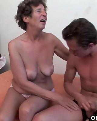 Granny gets her hairy asshole fucked