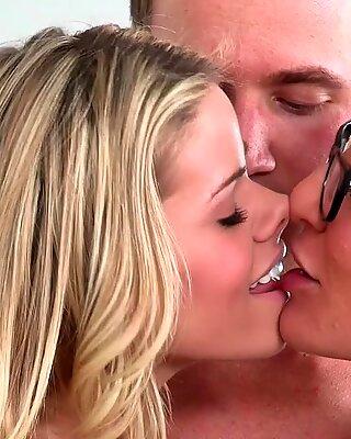 Jessa Rhodes and her stepmom seduce the boyfriend