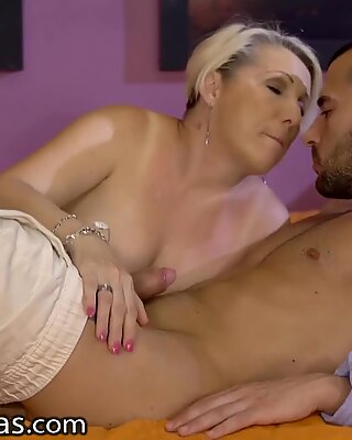 Hairy Granny Passionate Fucking in the Bedroom