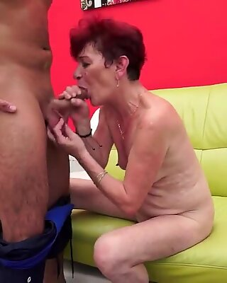 Old mom Angela Reed and her lover