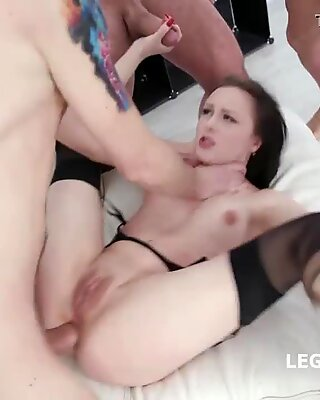 Fucking Wet With Kiara Gold Balls Deep Anal, DAP, Gapes and Pee drinking
