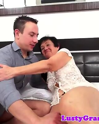 Bigbooty granny loves young cocks inside her
