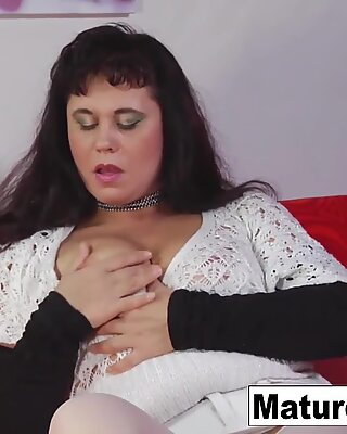 Pretty brunette mature is craving some anal