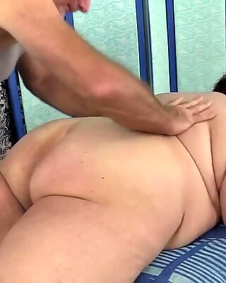 Pro Masseur Finger and Toy Fucks Fat Goth Slut Moon Baby