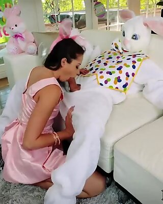 Granny and teen girl xxx Uncle Fuck Bunny