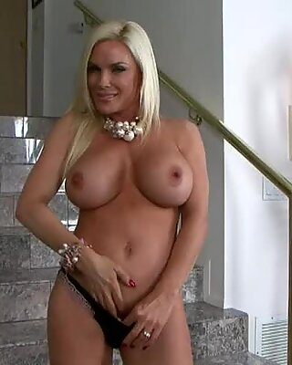 Busty blonde MILF Diamond Foxxx enjoys playing with her tight shaved twat