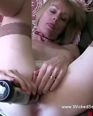 Sucking Cock Oral Sex Games From Amateur Granny GILF
