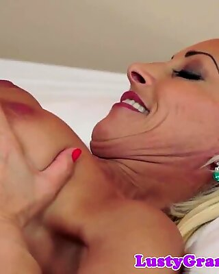 European mature fucked by younger guy