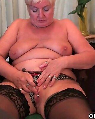 British mom Elaine can't control her masturbation addiction