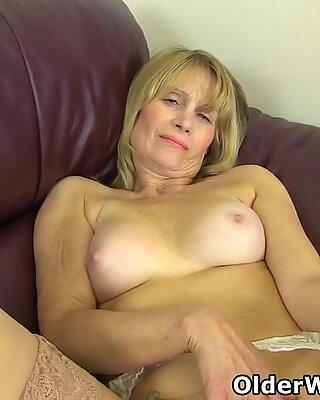 British gilf Ila Jane shows you her fuckable holes