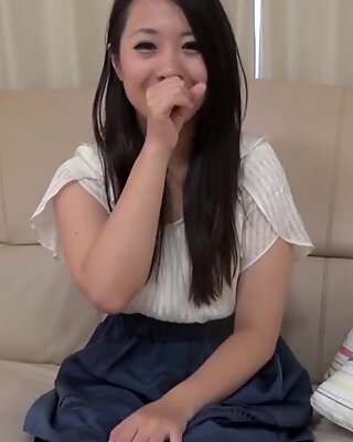 insane japan cougar Yukina Oba hook-up lesson