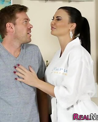 Busty masseuse screwed
