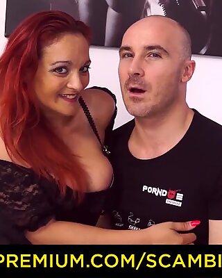SCAMBISTI MATURI - Redhead Italian mature enjoys wild pussy and ass fuck