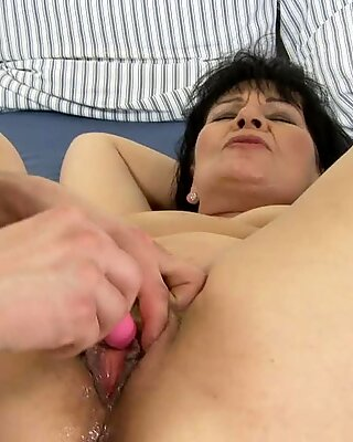 Randy Granny loves to get her pussy hole toy fucked